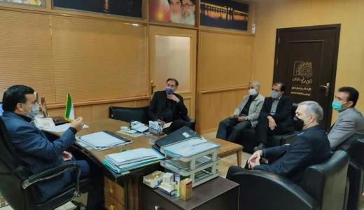 حضور رییس و اعضاء هيئت مدیره اتحادیه صنف الکتریک و الکترونیک اصفهان در دفتر مدیر بازرسی و نظارت اصناف استان